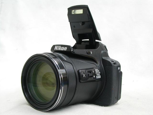 COOLPIX P900  w/ ケース