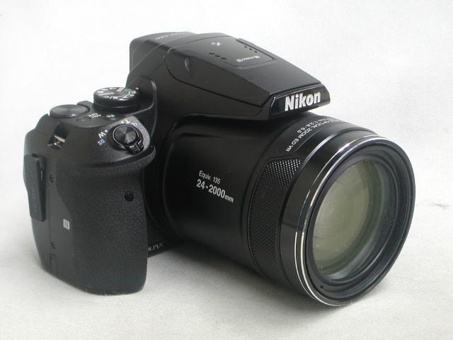 COOLPIX P900