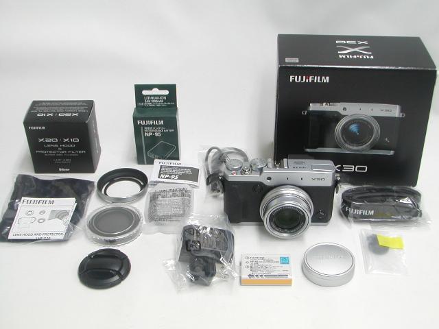 X30 (Silver)  w/ Hood.Filter. EX Battery