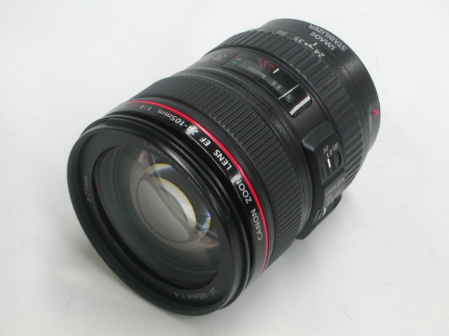 EF 24-105mm 1:4 L IS USM  w/ プロテクター