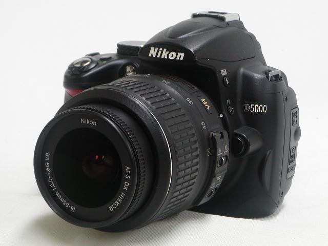 D5000  AF-S 18-55 VR w/ 予備バッテリー・プロテクター