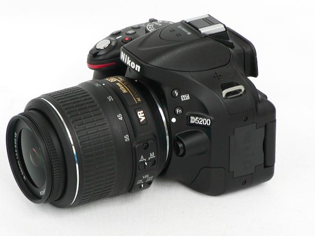 【美品】 D52000 AF-S 18-55 VR  w/ ケース・プロテクター