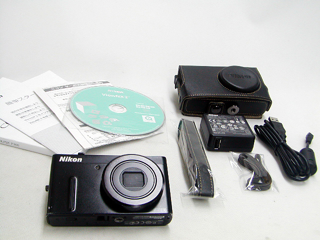 COOLPIX P300 (Black)  w/ Case
